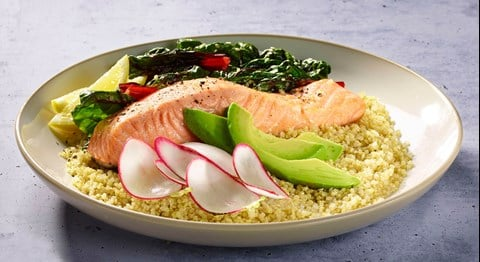 Quinoa Bowl with Salmon and Greens