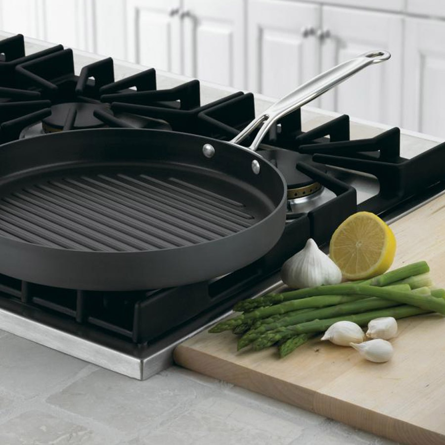 "Chef's Classic™ Nonstick Hard Anodized 12"" Round Grill Pan"