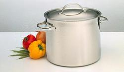 9 Quart Stockpot with Cover