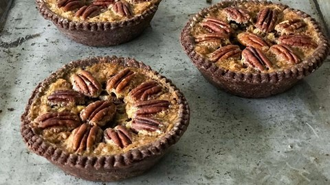 Mini Chocolate Pecan Pie