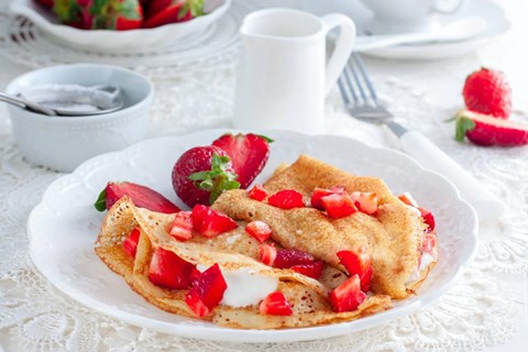 Strawberry Cream Cheese Crepes