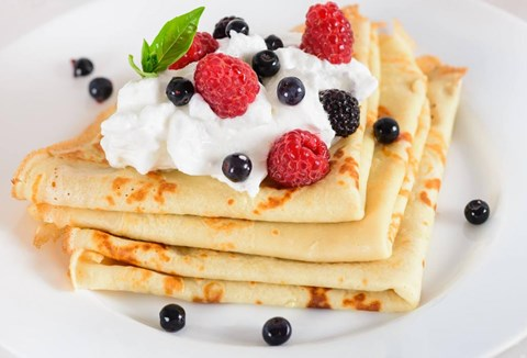 Crêpes with Sweetened Cream and Berries