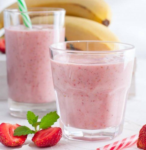 Breakfast Banana Berry Smoothie