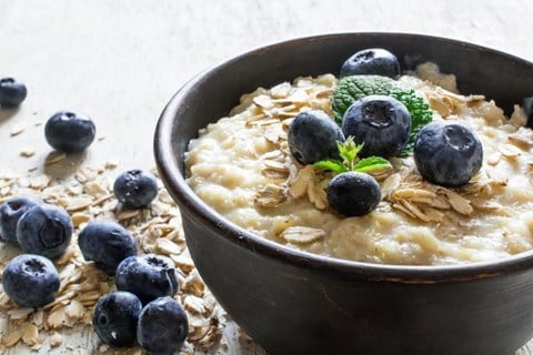 Creamy Irish Oatmeal with Blueberries
