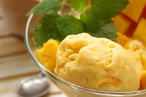 Mango Frozen Yogurt - 5 cups (ten ½-cup servings)
