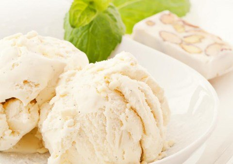 Honey-Almond Frozen Yogurt