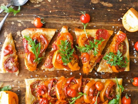 Caramelized Onion and Two-Tomato Tart