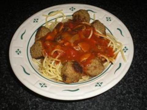 Spicy Spaghetti Sauce and Meatballs