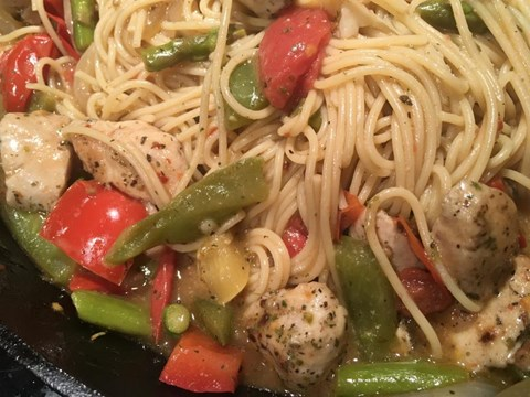 Spicy Organic Chicken and Vegetable Pasta