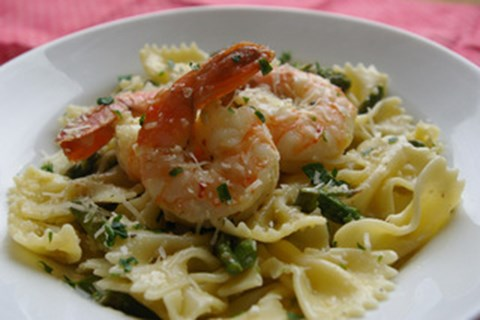 Shrimp with Asparagus and Pasta