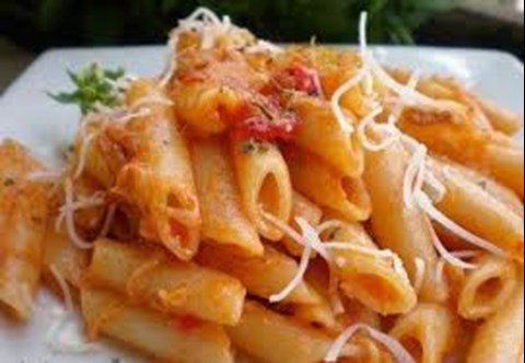 Cheesy Pasta and Tomatoes