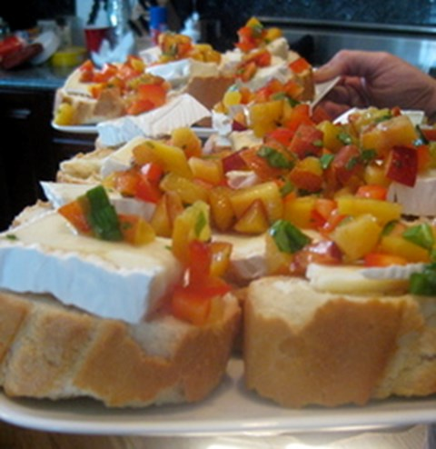 Bruschetta with Peach Salsa & Brie